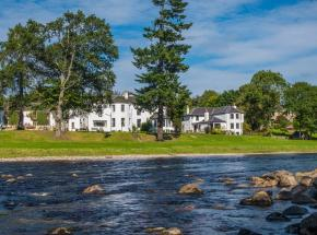 Luxurious country house hotel on the banks of the river Dee